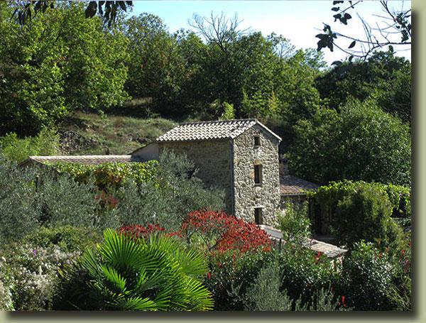 La Maisonnette Chambre Hote Cevennes Languedoc Vue De La Piscine